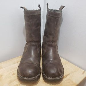 UGG Genuine Leather size 10